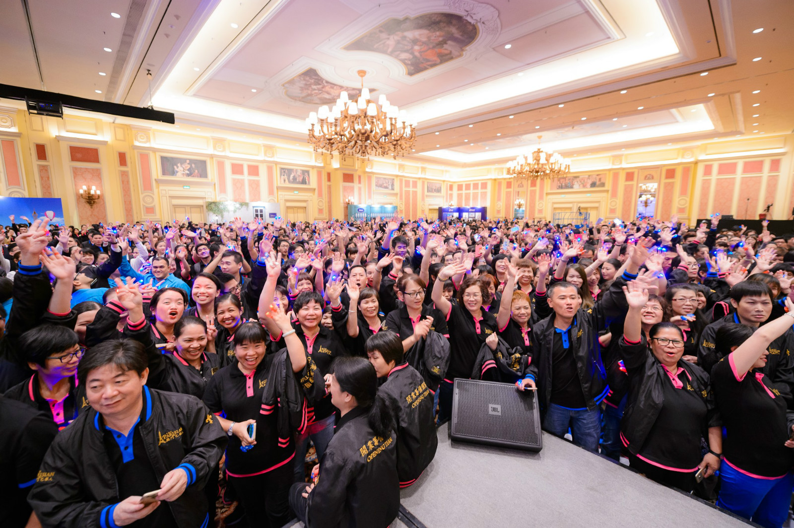 Team Members Rally Ahead of Parisian Macao Opening